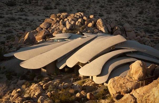 Вилла-призрак расположена в глубине пустыни Joshua Tree