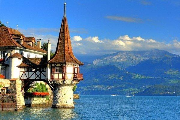 Оберхофен, Швейцария