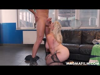 Sandy big boobs - opportunity makes love