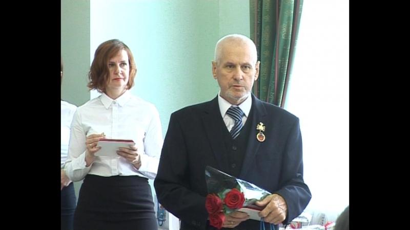 июнь 2017 г. Ветеран ГПС, бывший начальник ПСО №40 (м.р. Сергиевский) Долгаев Е.П. получает знак Заслуженный работник пож.охр.