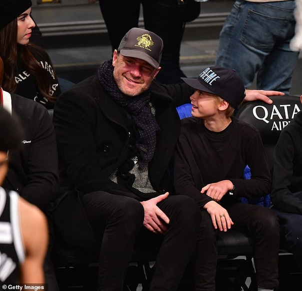 Пол Маккартни с женой