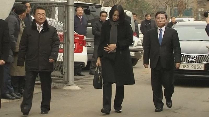 Глава Korean Air уволил дочь, задержавшую рейс (новости)