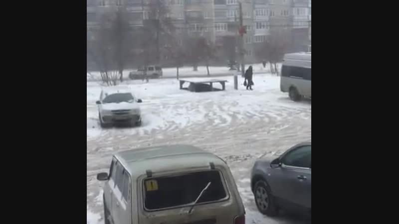 Изобретатель из Челябинска сделал подземный лифт для машины