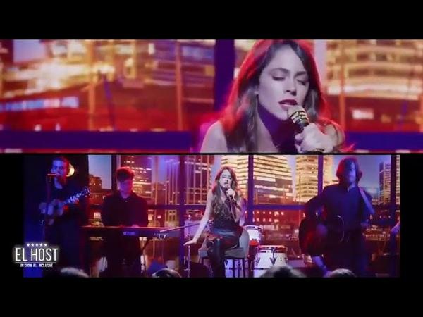 Tini zpívá Quiero Volver pro El Host 🎤