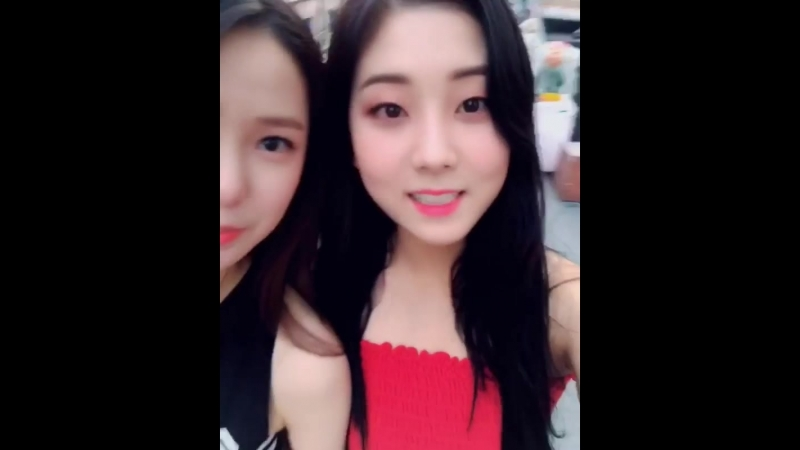 180519 Yujin, Seungyeon @ Instagram