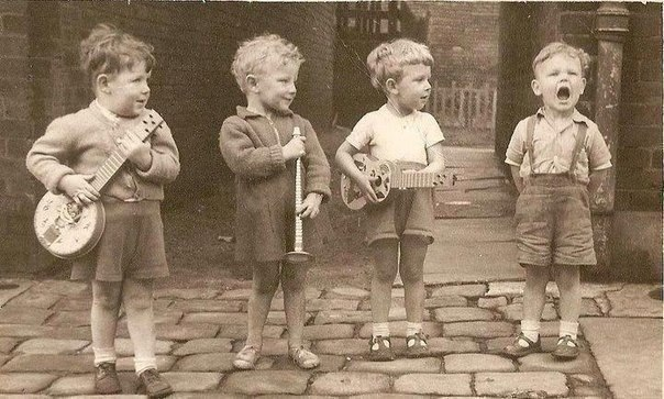 Любимые песни из самых ярких и трогательных мультфильмов детства. Сохраните на стену и пойте вместе с малышом!
