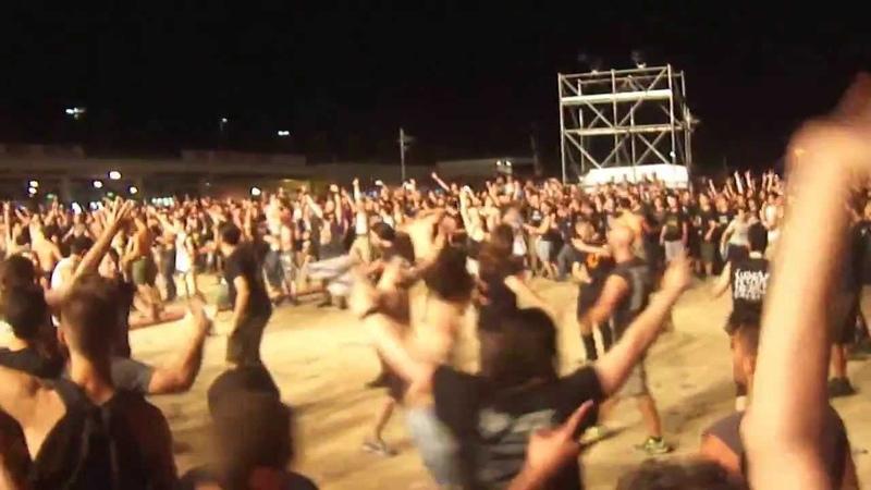 Raining Blood- Slayer Mosh Pit Live In Greece 01072013