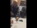 Чёрный отыгрывает свой IPhone у аркаши