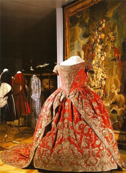 Екатерина вторая платье
