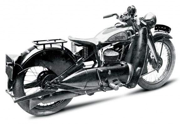 Francis-Barnett Cruiser 1934 года. В кожухе силового агрегата спрятан маслобак – у 250-кубового двухтактного двигателя раздельная система смазки