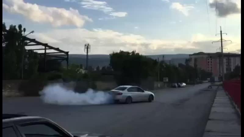 СУМАШЕДШИЙ ДРИФТ НА BMW