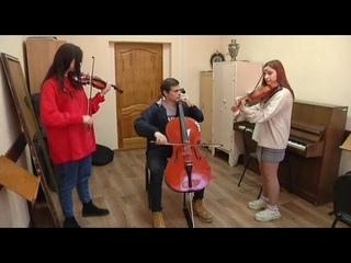 Курские студенты-музыканты выступили со Светланой Сургановой