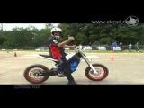 Электро мотоцикл на треке