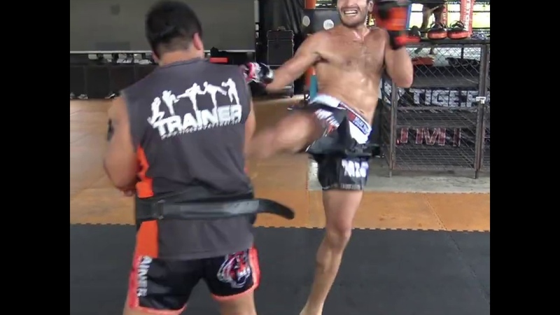 Amir Naseri kicking pads to prepare for I 1 Grand Xtreme 2018