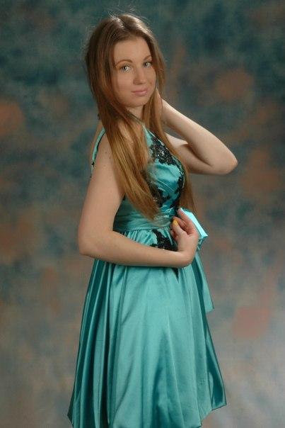 golaya-yuliya-svetlakova-foto