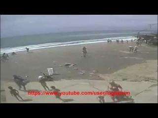 Цунами в Одессе часть 2, вид с другого пляжа и коментарии очевидцев