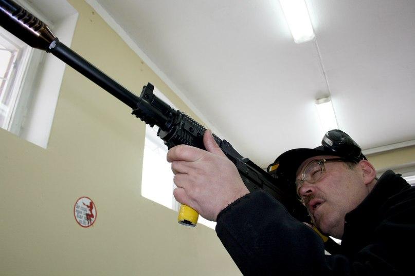 Один женский день дабл-мамы с пистолетом и ружьём