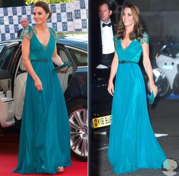 Кейт Миддлтон вышла в свет в платье, которое носила шесть лет назад