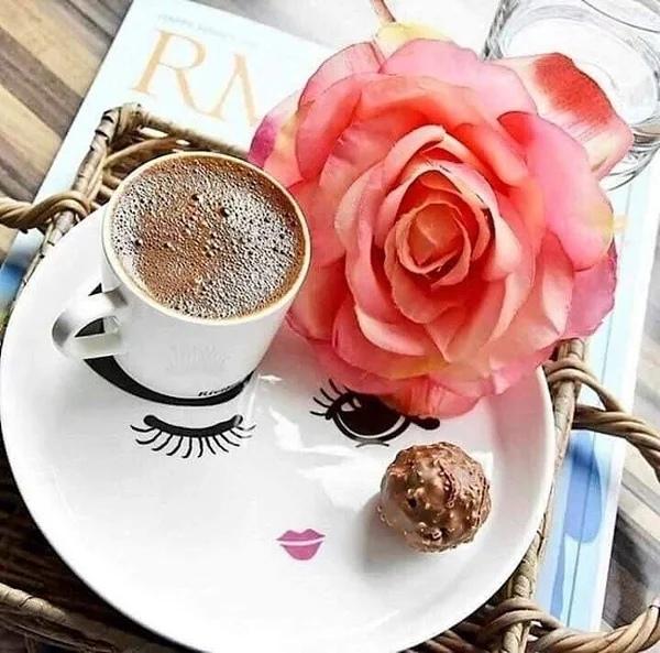 Счастье - это проснуться утром, имея впереди целый день, огромный день, полный радостей, забот и новых побед!Доброе утро, друзья мои!