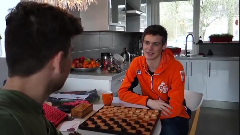 Роэль Бумстра стал чемпионом мира по шашкам!