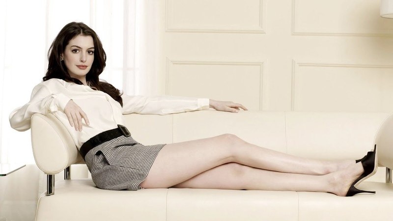 Beautifull and sexy Anne Hathaway