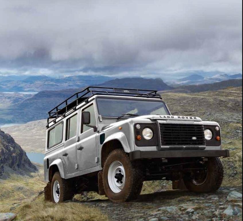 JAmes Bond Land Rover Defender 2013