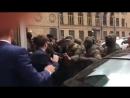 Тітушки у формі побили депутатів Київради на Хрещатику
