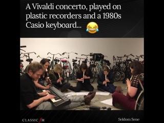 Концерт вивальди на пластиковых флейтах и casio (seldom sene)