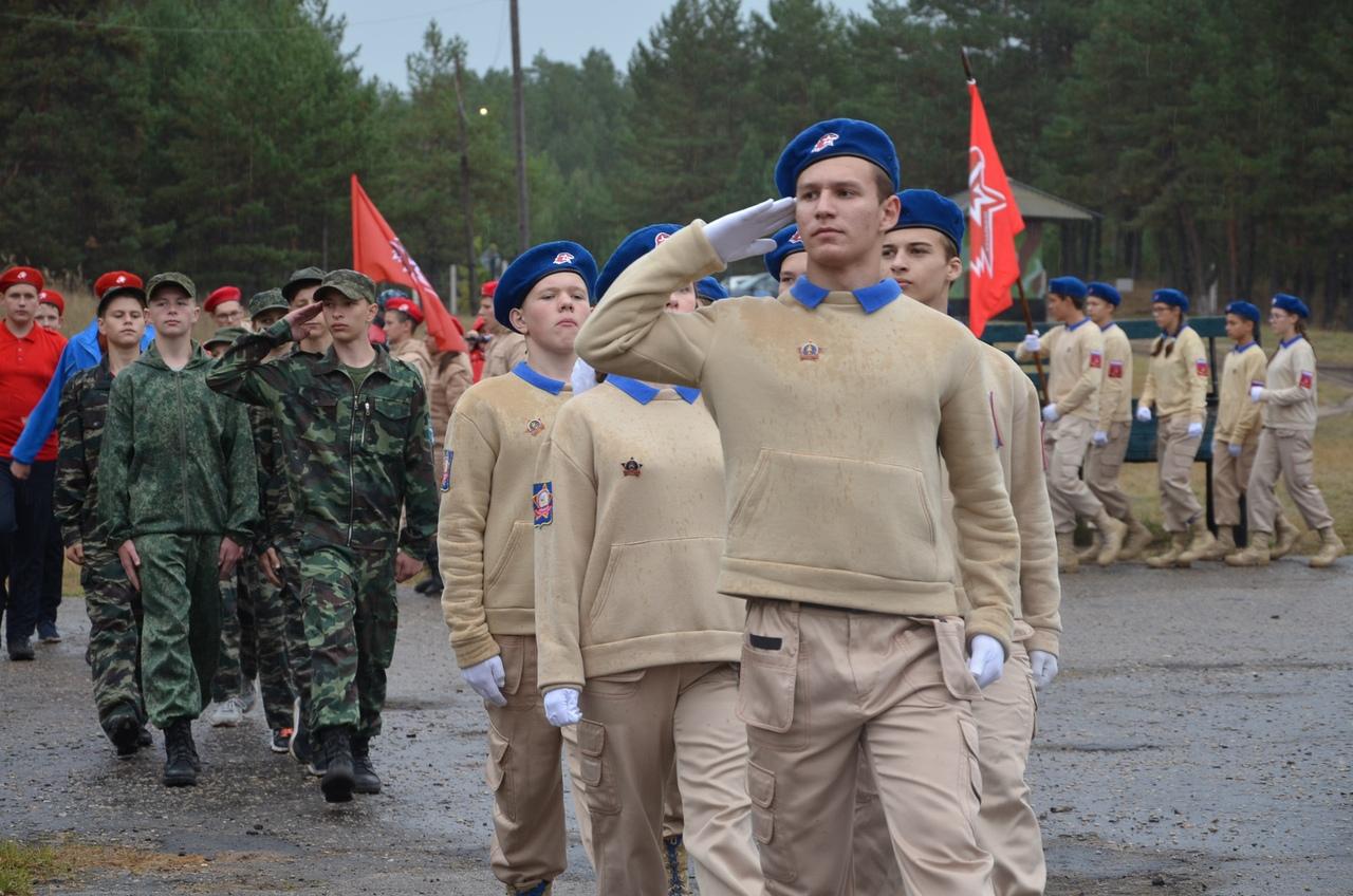 В Козельске завершает работу военно-полевой лагерь юнармейцев