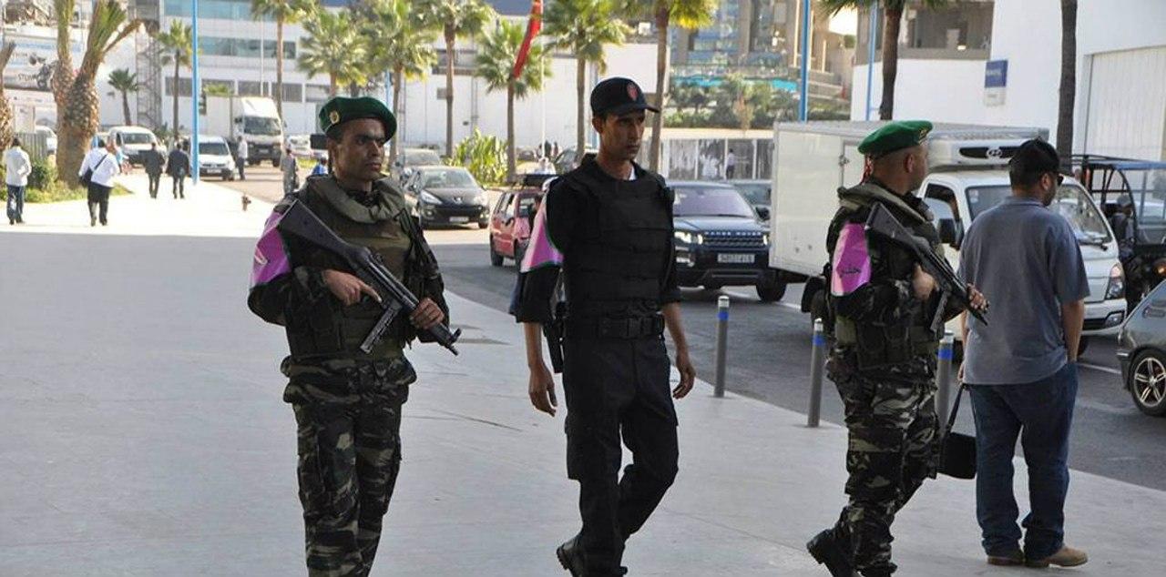 Photos de nos soldats et des Bases Marocaines - Page 2 V0tdUP3cazo