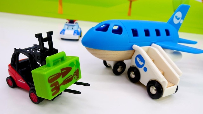 Vehículos de serviсio se apresuran al aeropuerto