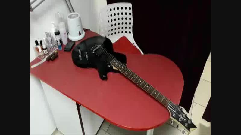 Как я ремонтировала свою гитару/сколы, трещины