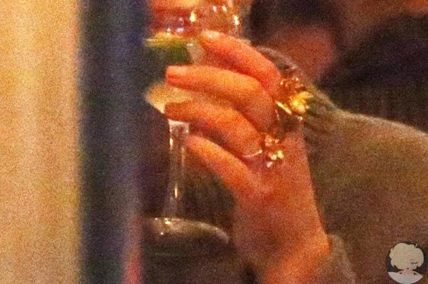 В сети появилось фото огромного помолвочного кольца Дженнифер Лоуренс
