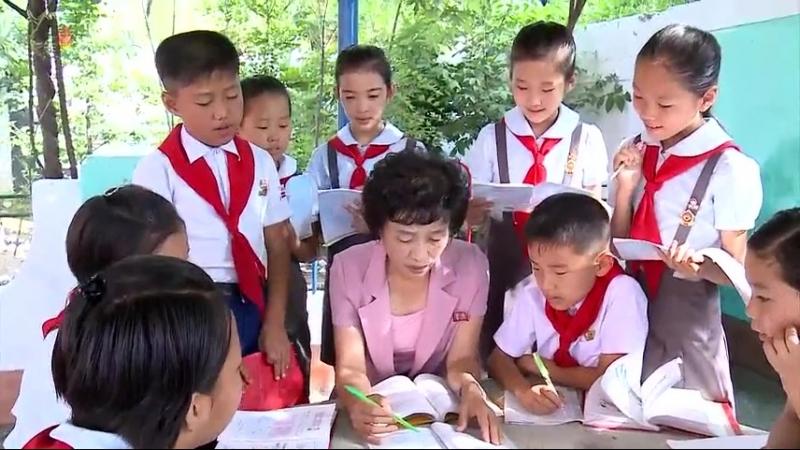 량심과 헌신으로 지켜가는 교단 -남포시 천리마구역 포구소학교 교육자들-