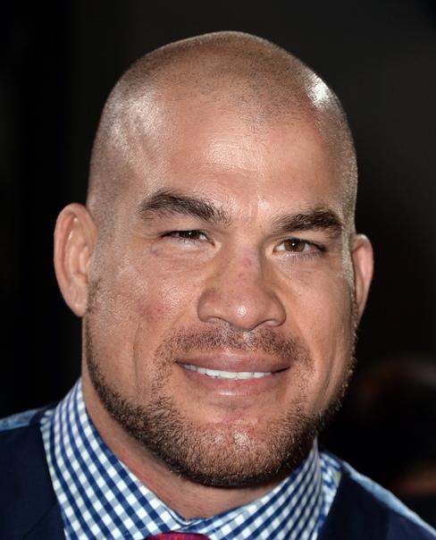 sport тито ортис. дже́йкоб кри́стофер орти́с (род. 23 января 1975 года в хантингтон-бич, калифорния, сша), больше известный как ти́то орти́с) - американский боец смешанного стиля мексиканского