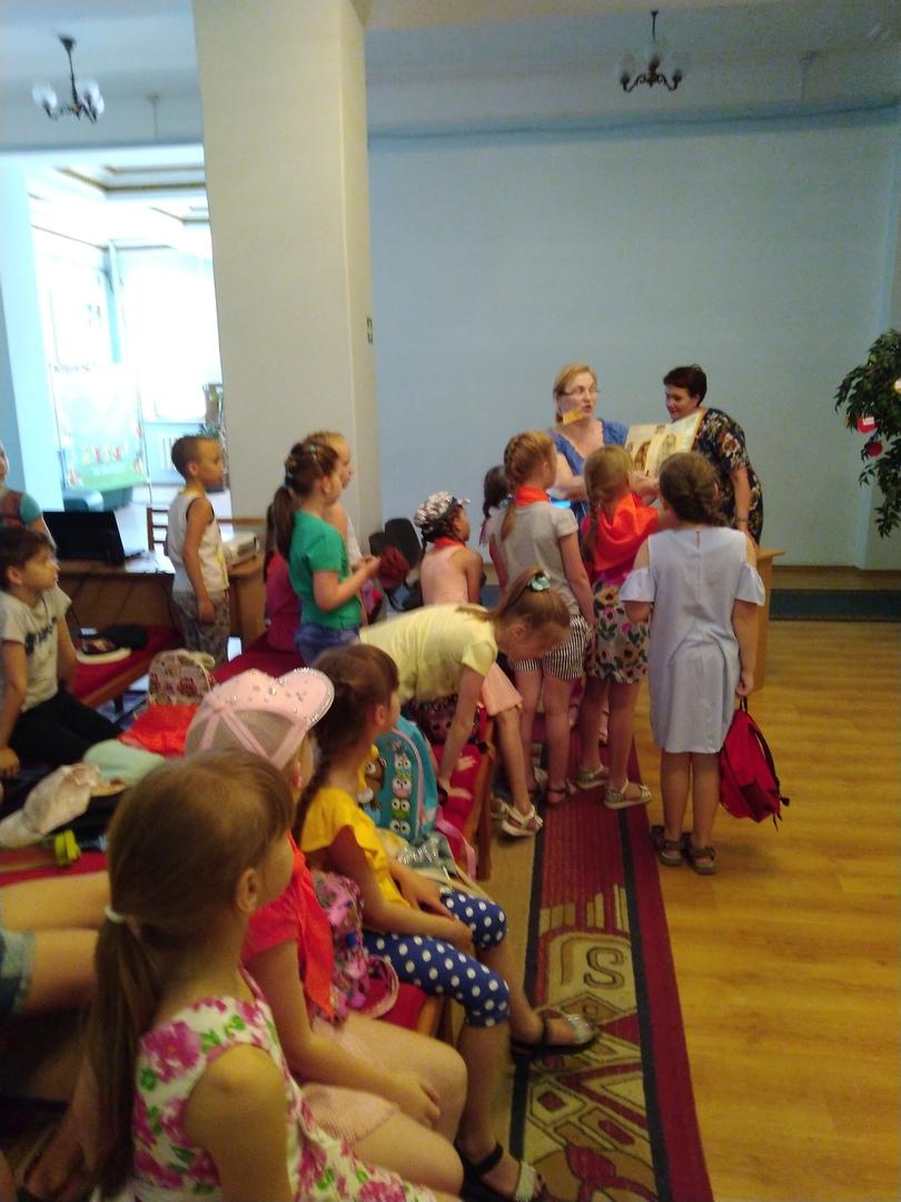 отдел обслуживания учащихся 5-9 классов, Донецкая республиканская библиотека для детей, лето в библиотеке, работа с пришкольными лагерями, права и обязанности детей