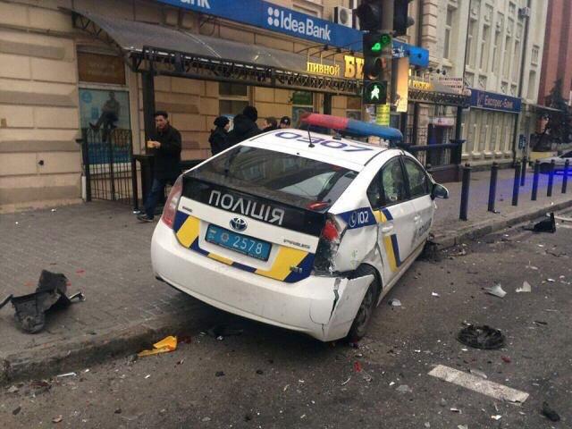 Toyota Prius Ukrajna Jo_Vkz4UHE0