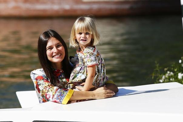 La bella: секреты красоты Бьянки Балти Мама двоих детей и несменное лицо Dolce & Gabbana (с ними она сотрудничает на протяжении 14 лет!), Бьянка не скрывает: у нее очень простые секреты красоты.