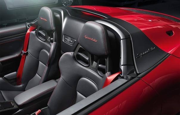 Porsche назвал российские цены на новый спорткар 911 Speedster. Компания Porsche начала серийное производство спорткара 911 в кузове спидстер. Сборка новинки налажена на заводе в городе