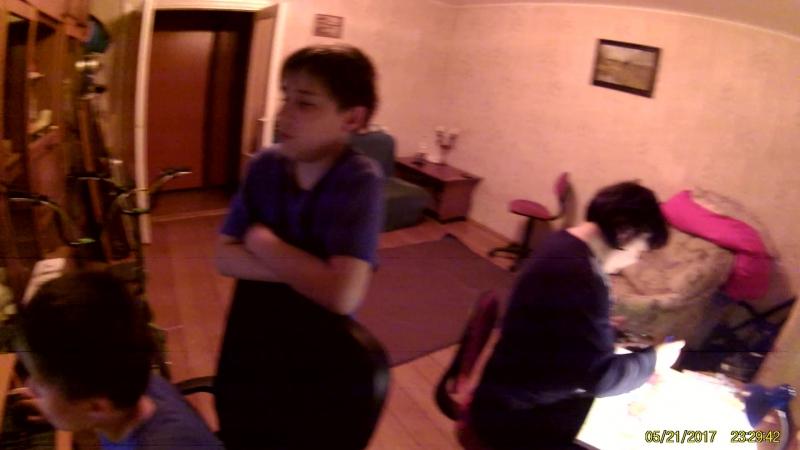 Вася за компом экщен камера 21.05.17_2