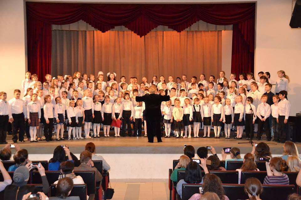 Младший и средний хоры школы искусств выступят в Лианозове