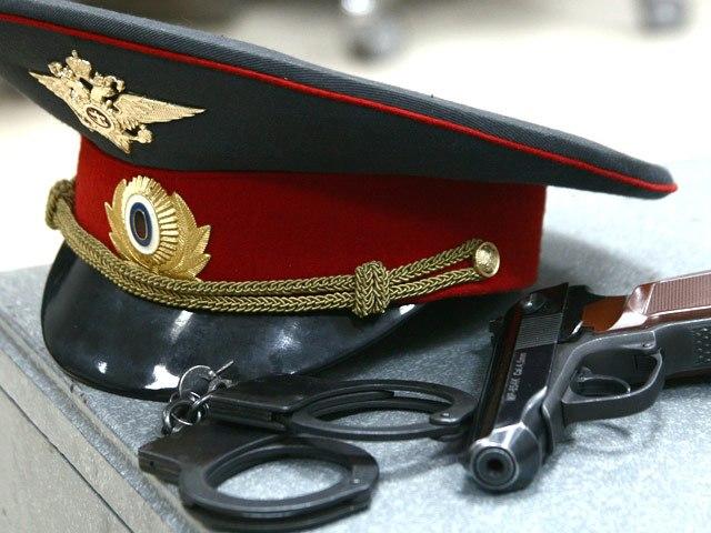 В Таганроге экс-полицейского будут судить за мошенничество, превышение полномочий и инсценировку сбыта наркотиков