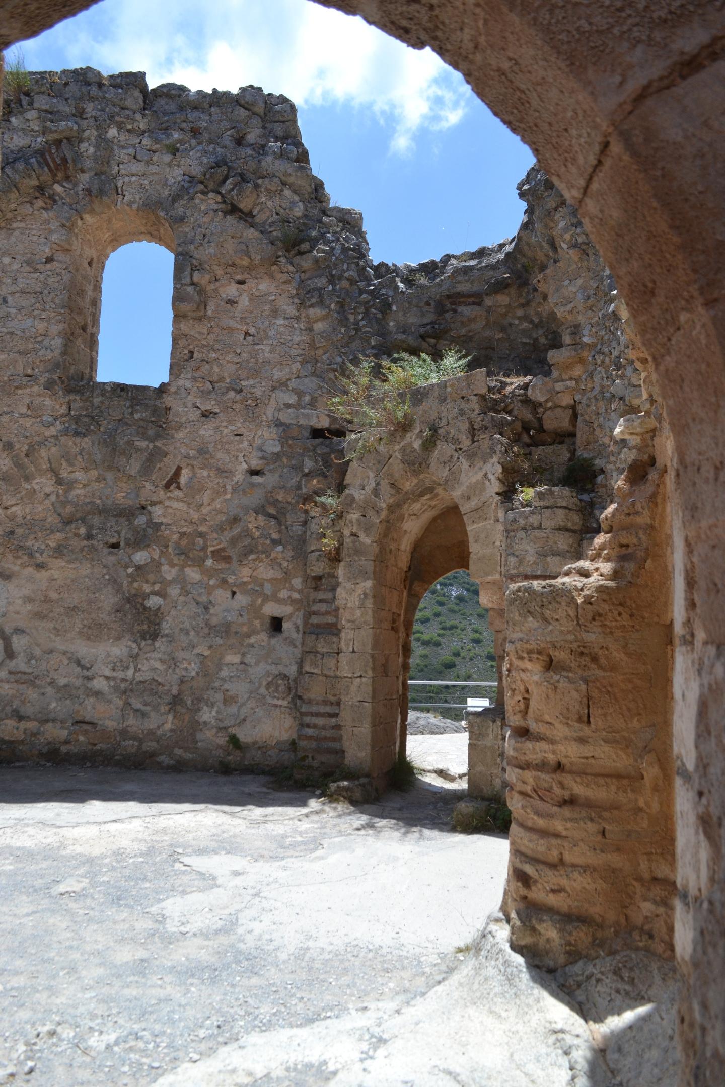 Северный Кипр. Замок Святого Иллариона. (фото). - Страница 2 YACxrS5Z8dA