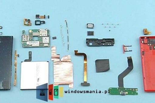 как разобрать Nokia Lumia 720?