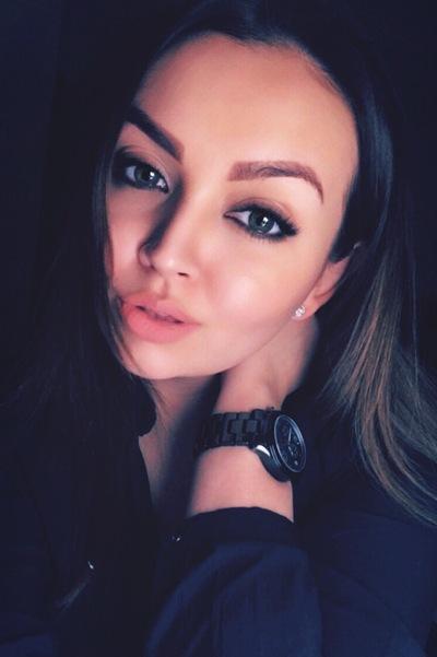 Нина Дворянинова