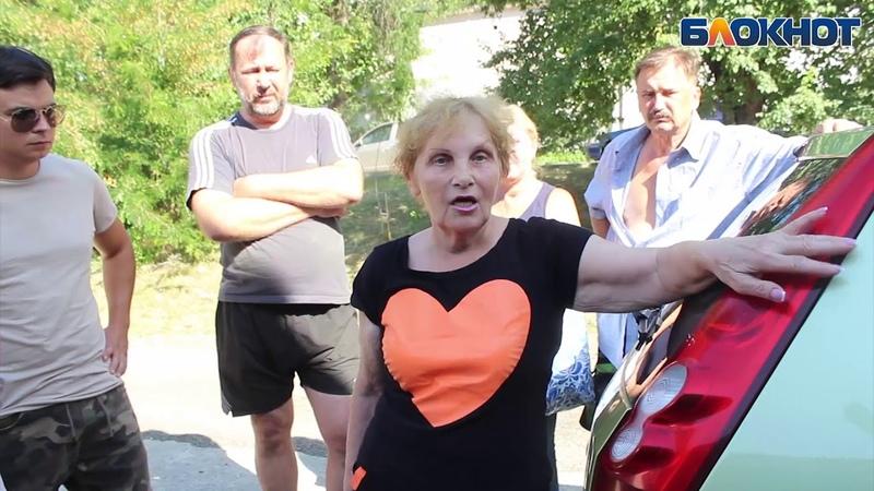 Нечистоты растекаются по центру Новороссийска – и все не при делах
