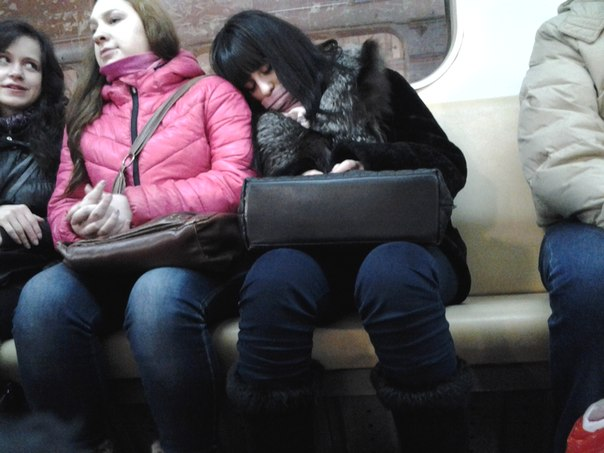 Модели спящие девушки себя не контролируют ролики жестко выебал