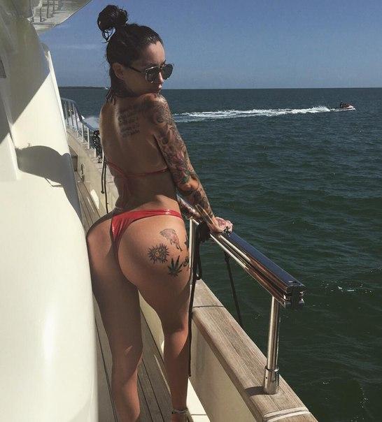Kloe kardashian nude pictures