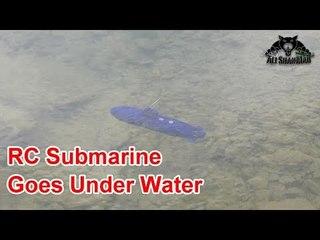 RC Submarine dives Under Water
