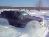 Джип гранд чероке по снежному полю. Jeep Grand Cherokee ZJ.mp4